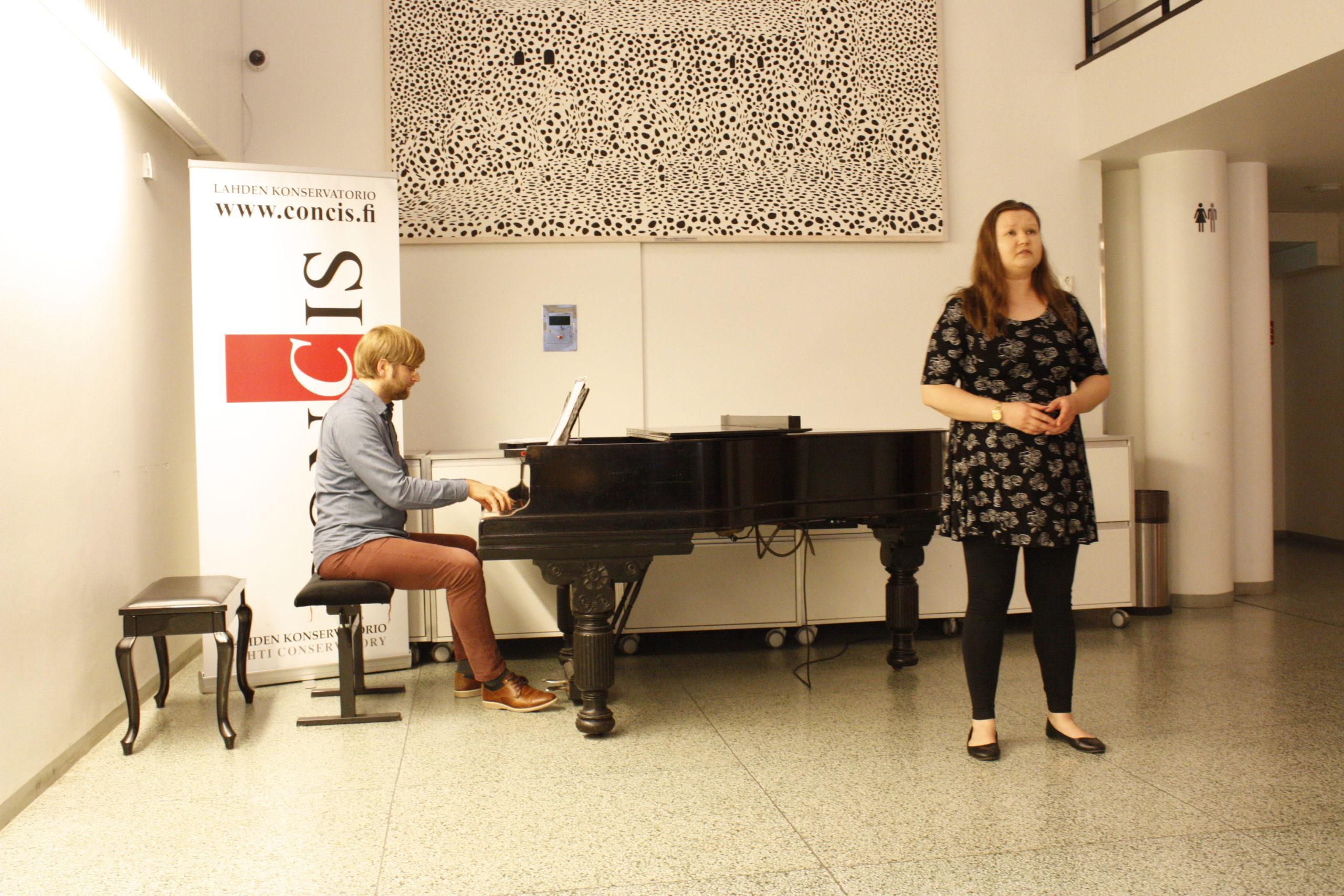 Camilla Sonninen laulu ja Markus Pölönen piano
