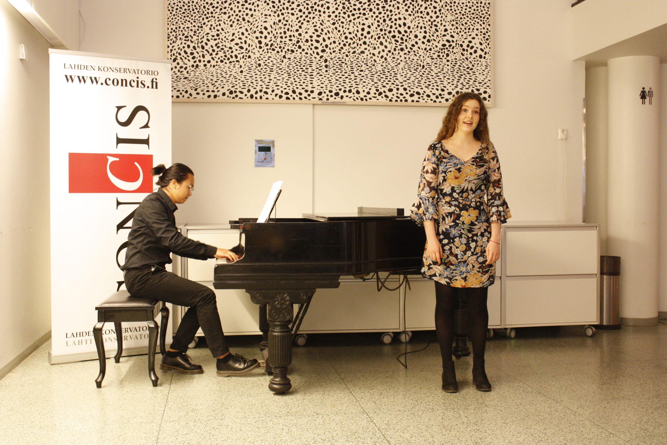 Maja Burggraaff laulu ja Hieu Vo piano