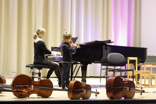 Iisakki ja Elisa Pitkäranta Maraton-konsertissa 2020