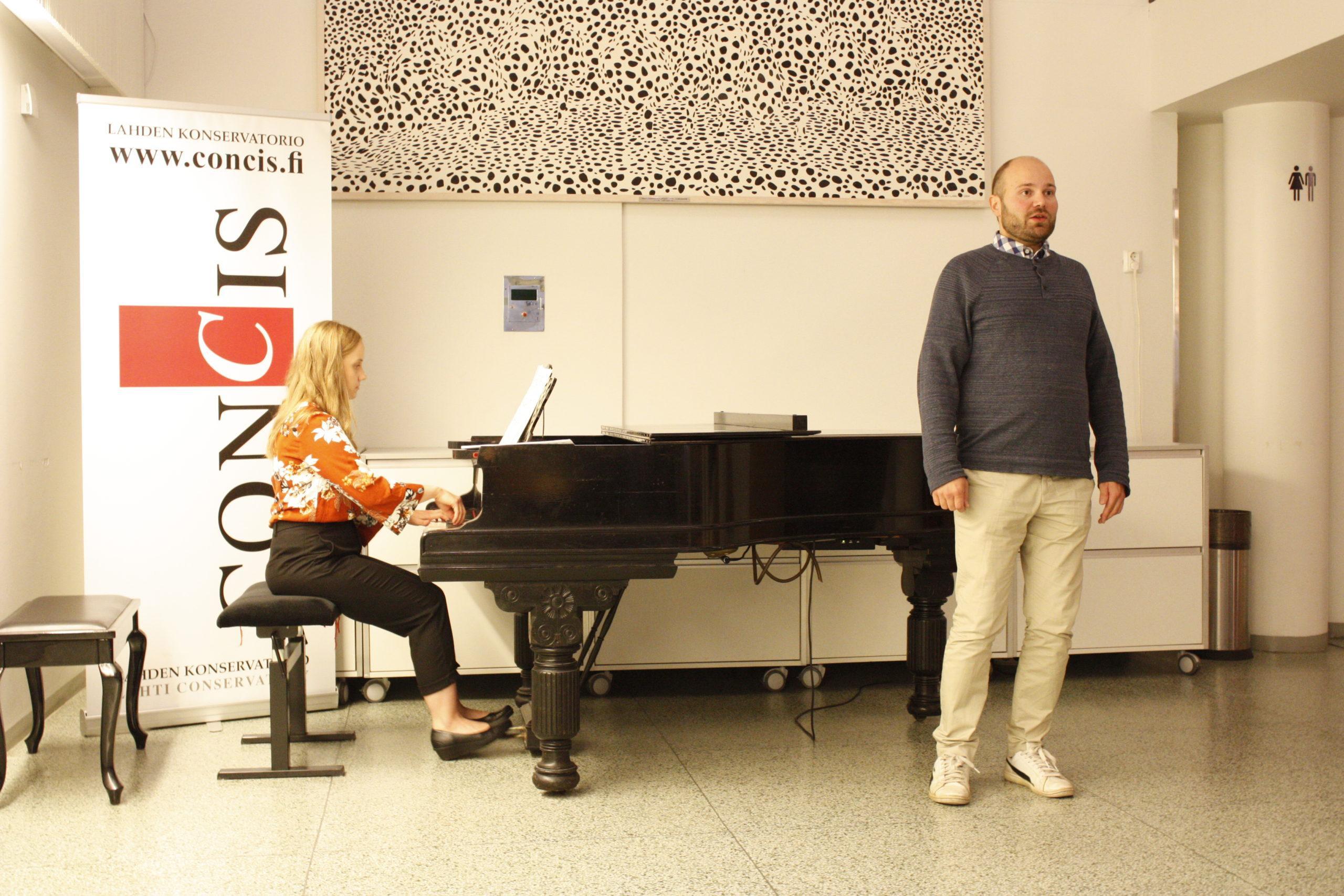 Sampo Rantalainen laulu ja Ilona Kurvinen piano