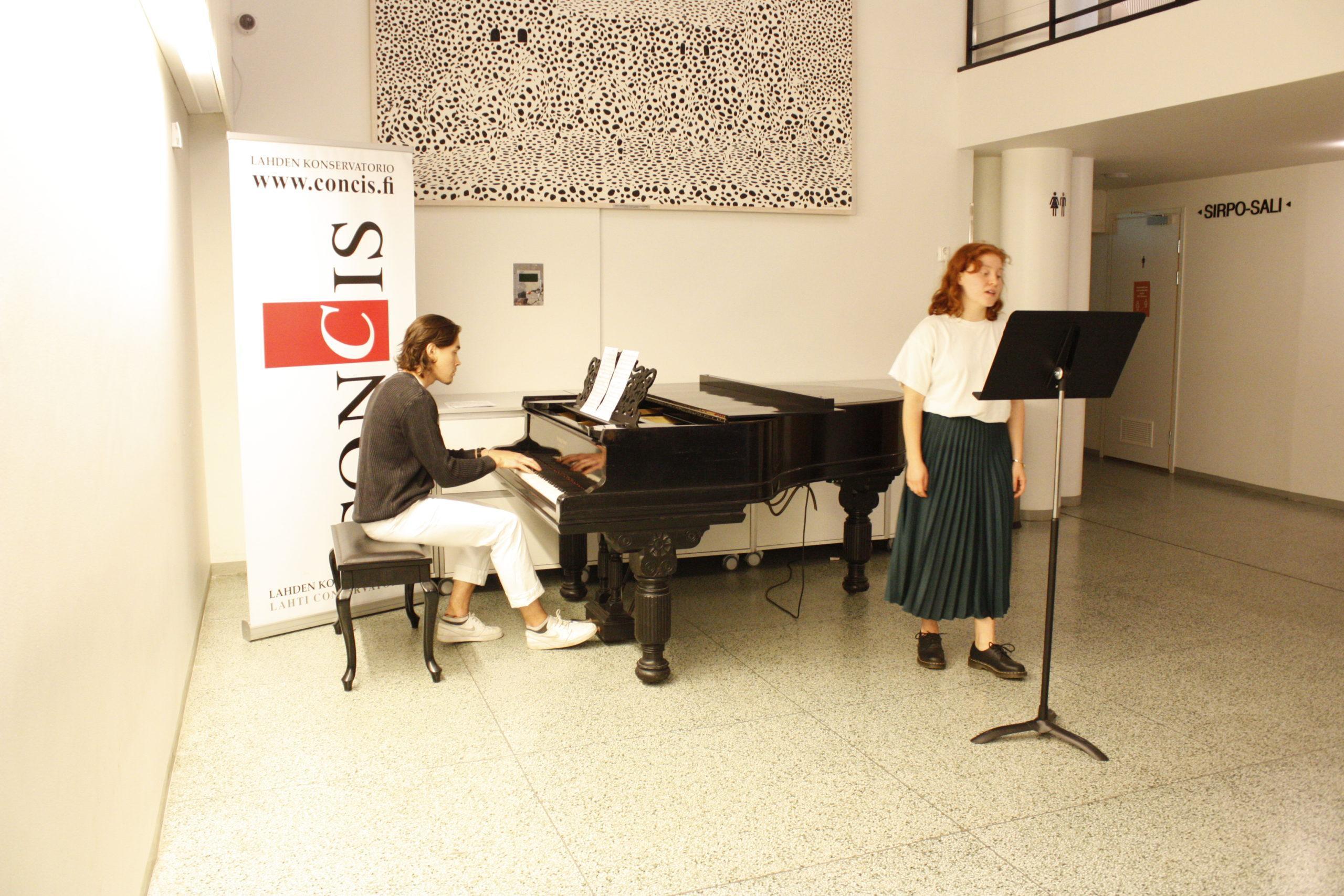 Stina Virtanen laulu ja José Kuusisto piano